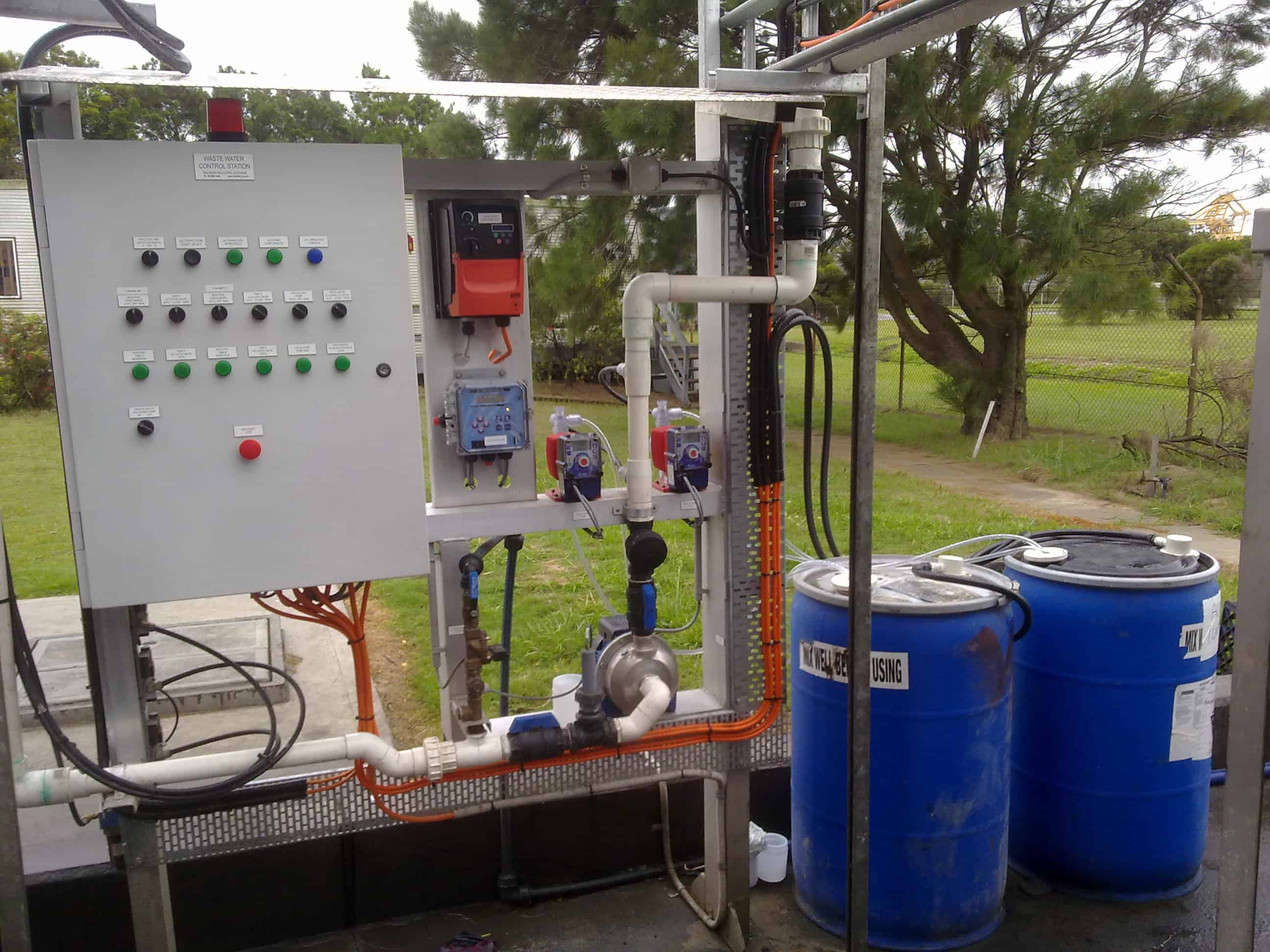 pH and dosing system